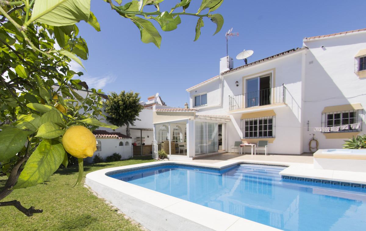 Ref:R3040079 Villa - Detached For Sale in Nueva Andalucía