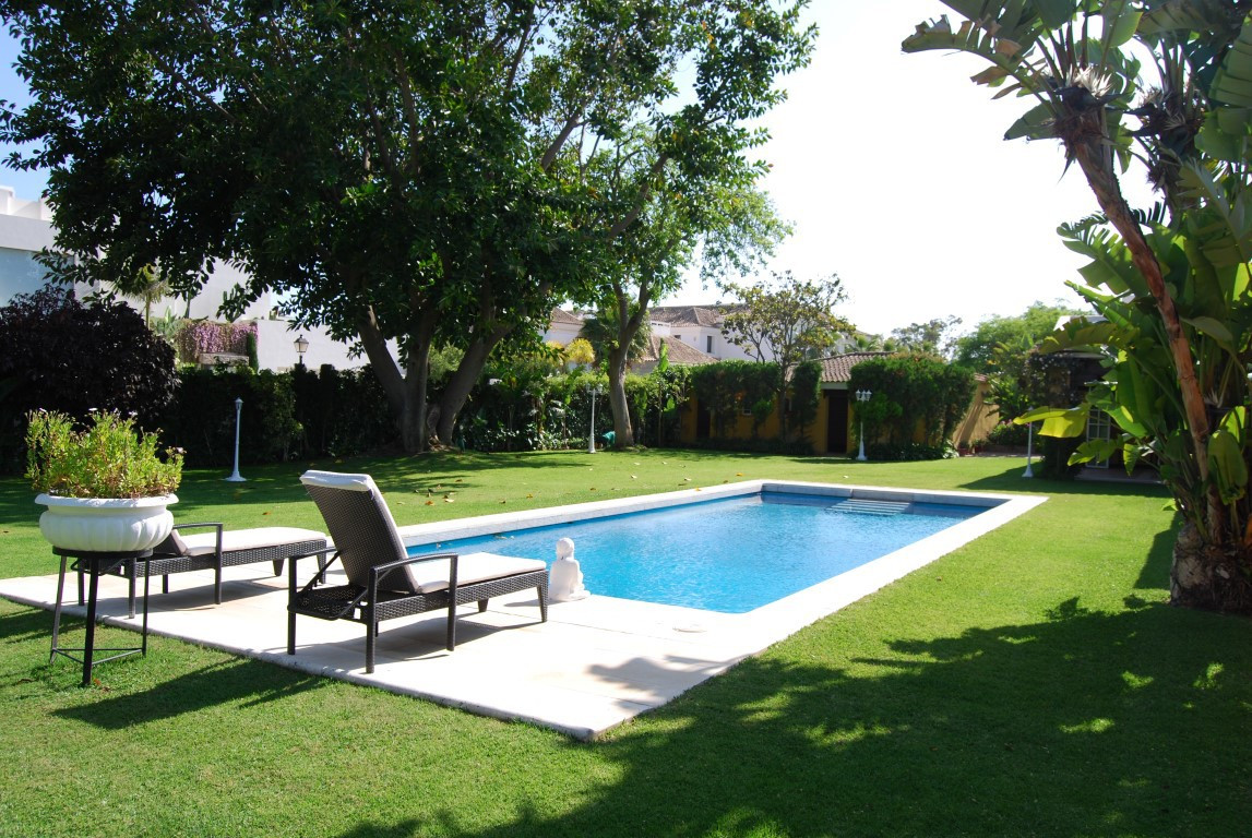 Detached Villa · Guadalmina Baja