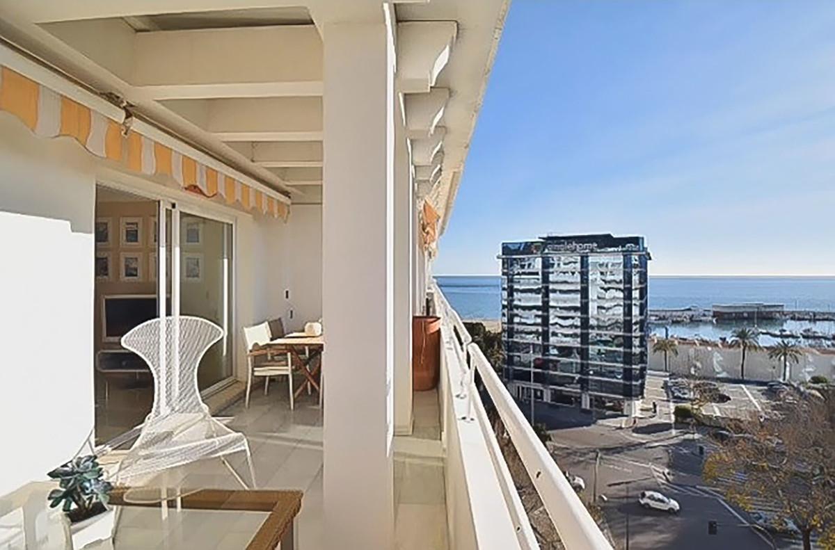 Marbella Banus Apartamento Planta Media en Venta en Marbella – R3649940