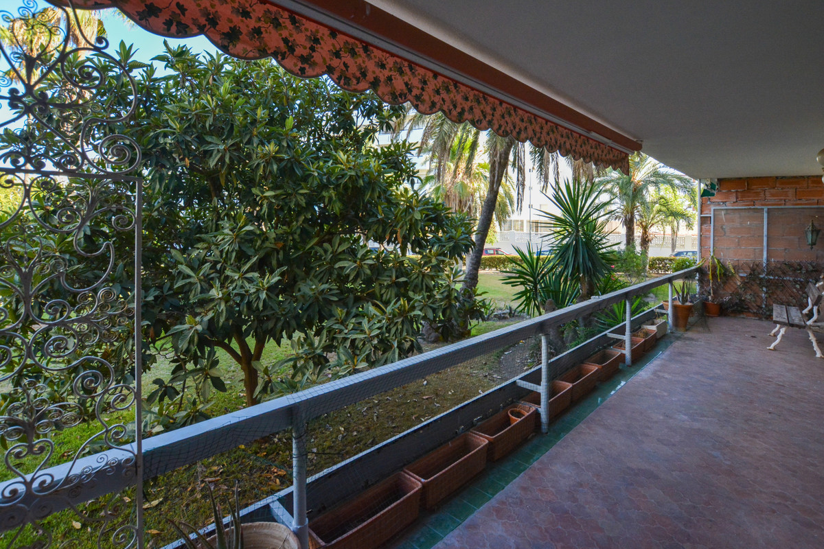 3 Bedroom Apartment for sale La Carihuela