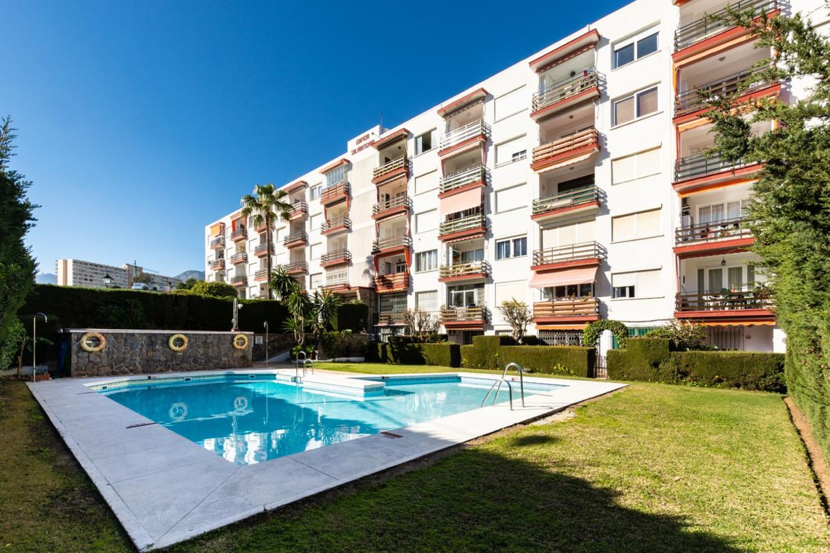 Apartamento 2 Dormitorios en Venta La Carihuela