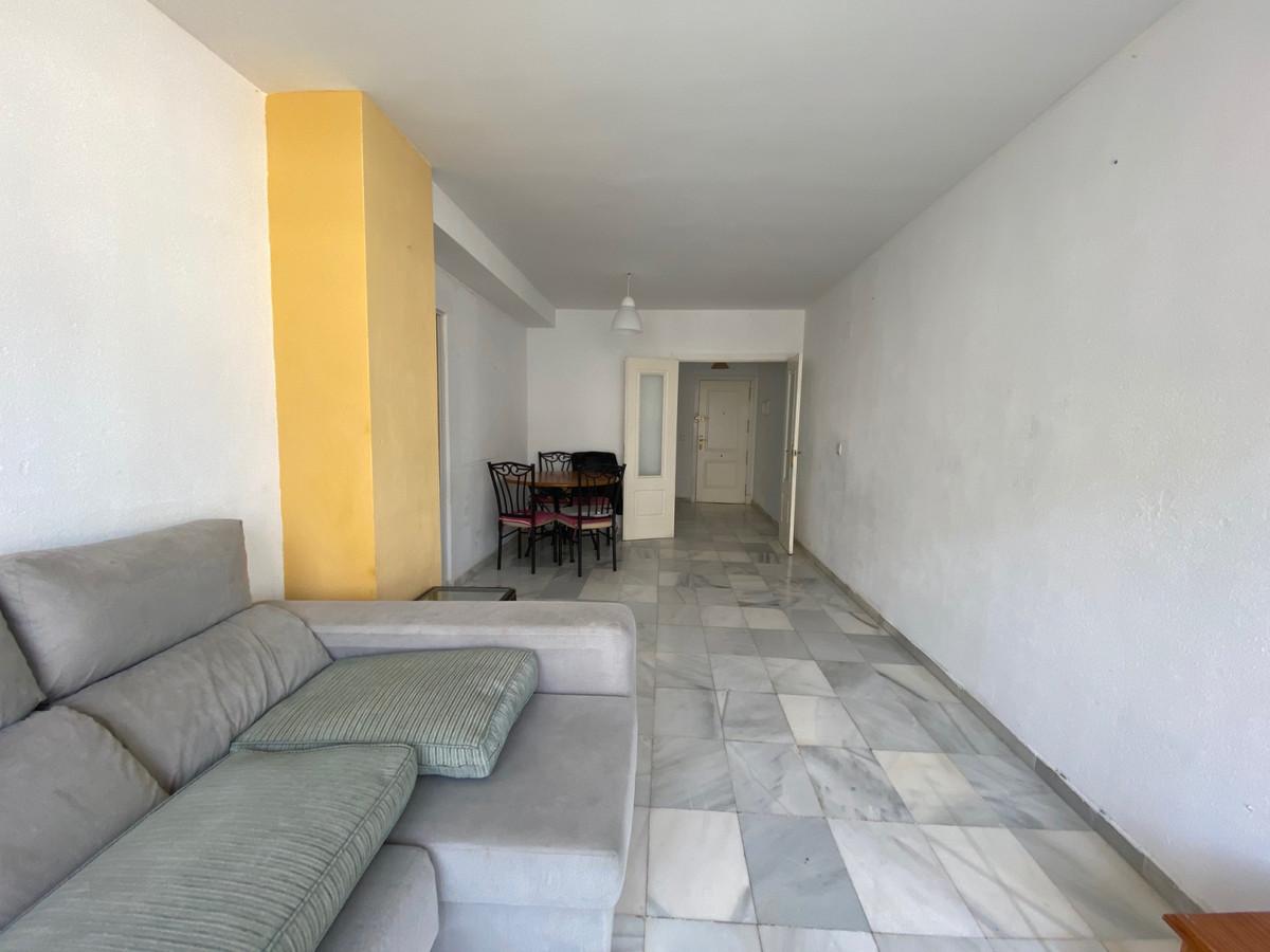 Apartamento en Venta en Nueva Andalucía – R3605336