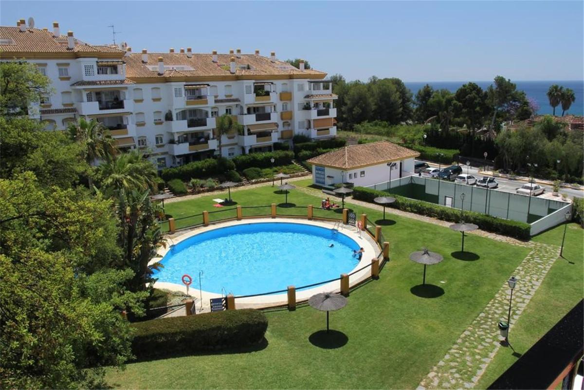 Marbella Banus Apartamento Planta Baja en Venta en The Golden Mile – R3678917