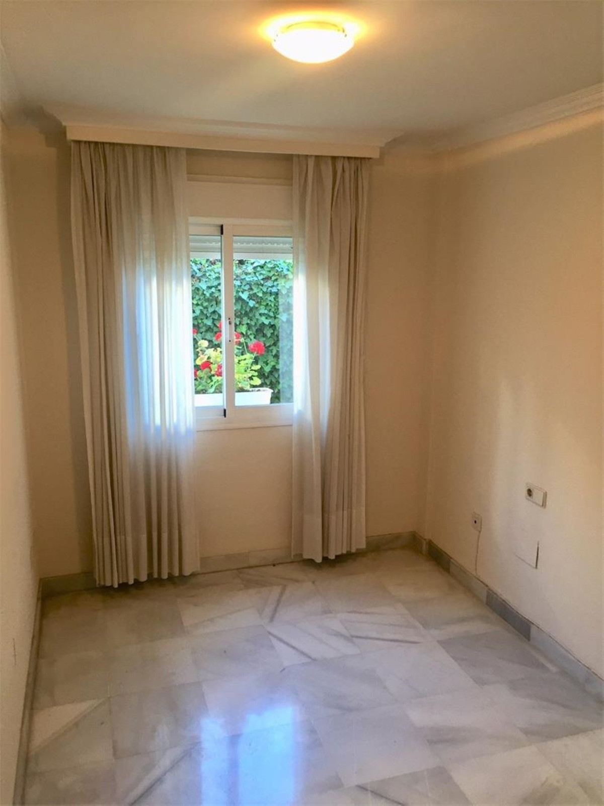 2 Bedroom Ground Floor Apartment For Sale The Golden Mile