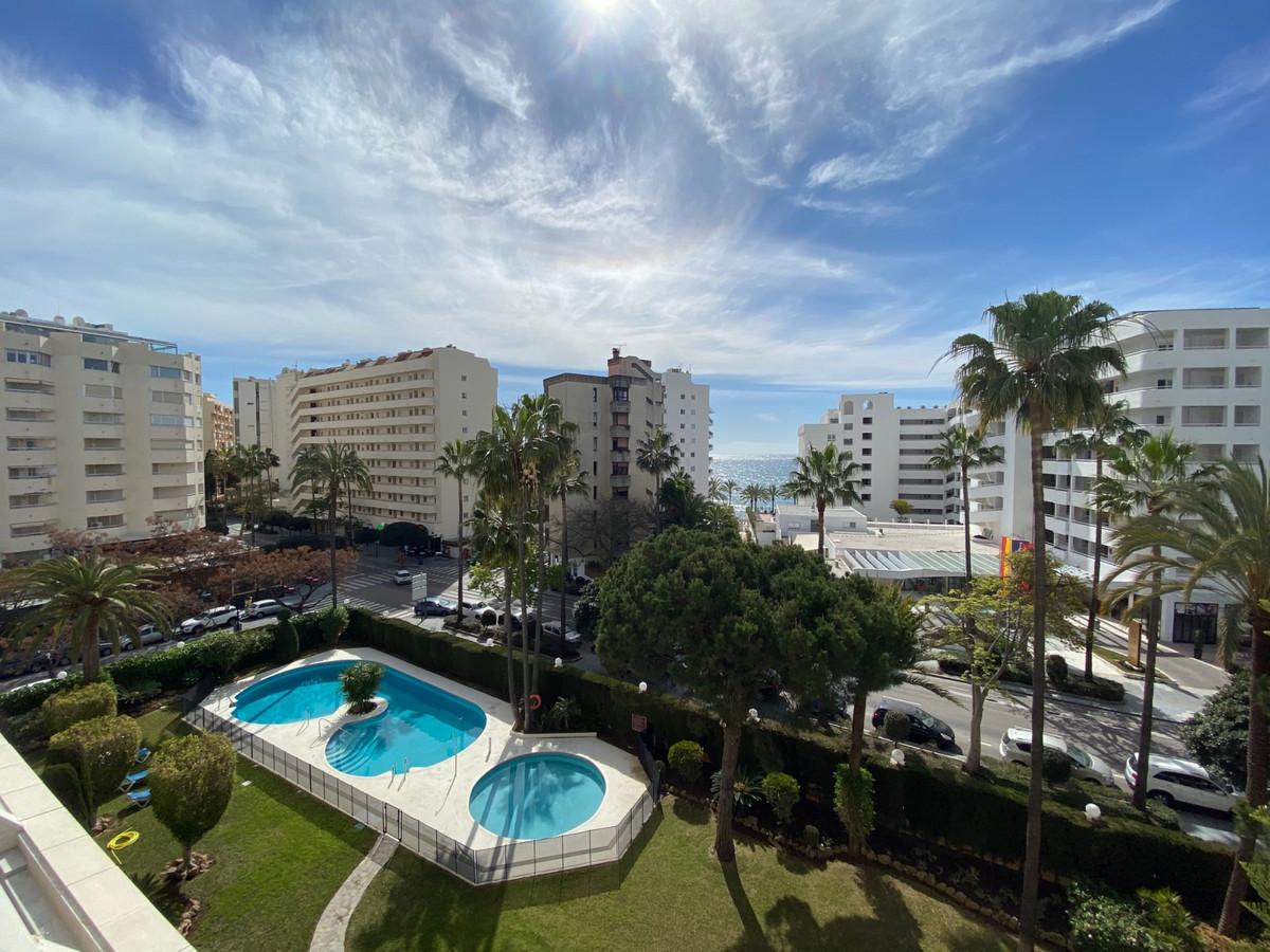 Marbella Banus Apartamento Planta Media en Venta en Marbella – R3619772