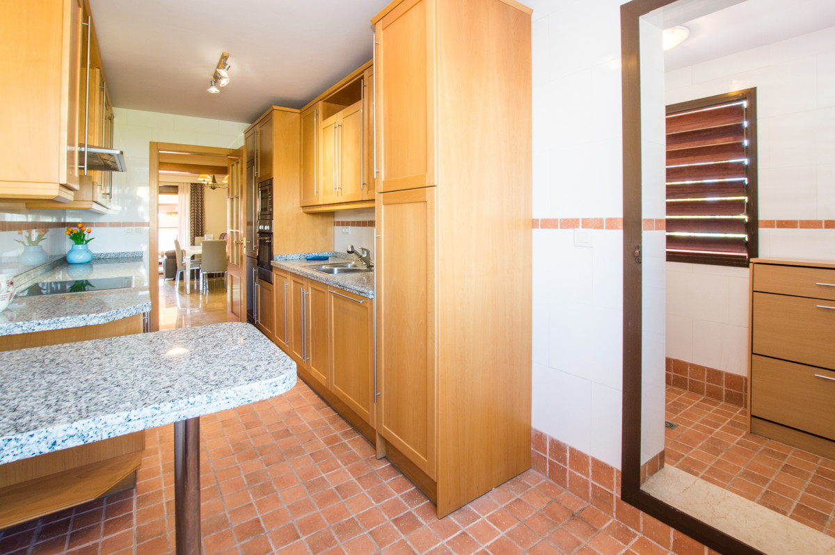 R3253906: Apartment for sale in Estepona