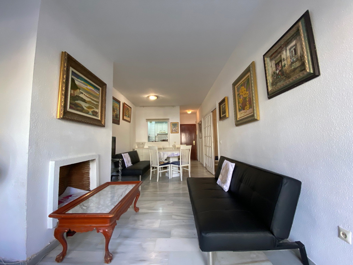 Apartment for Sale in The Golden Mile – R3629561