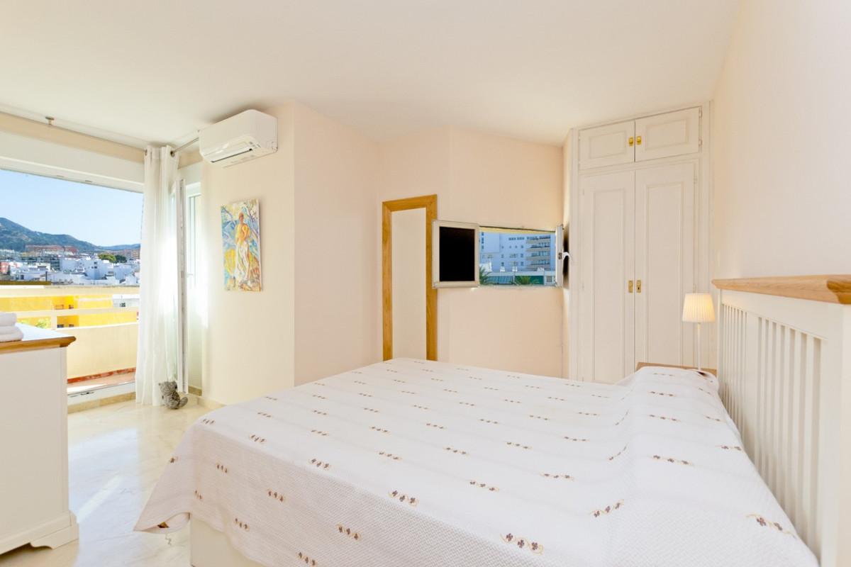 Apartamento Planta Media en Venta en Marbella – R2359094