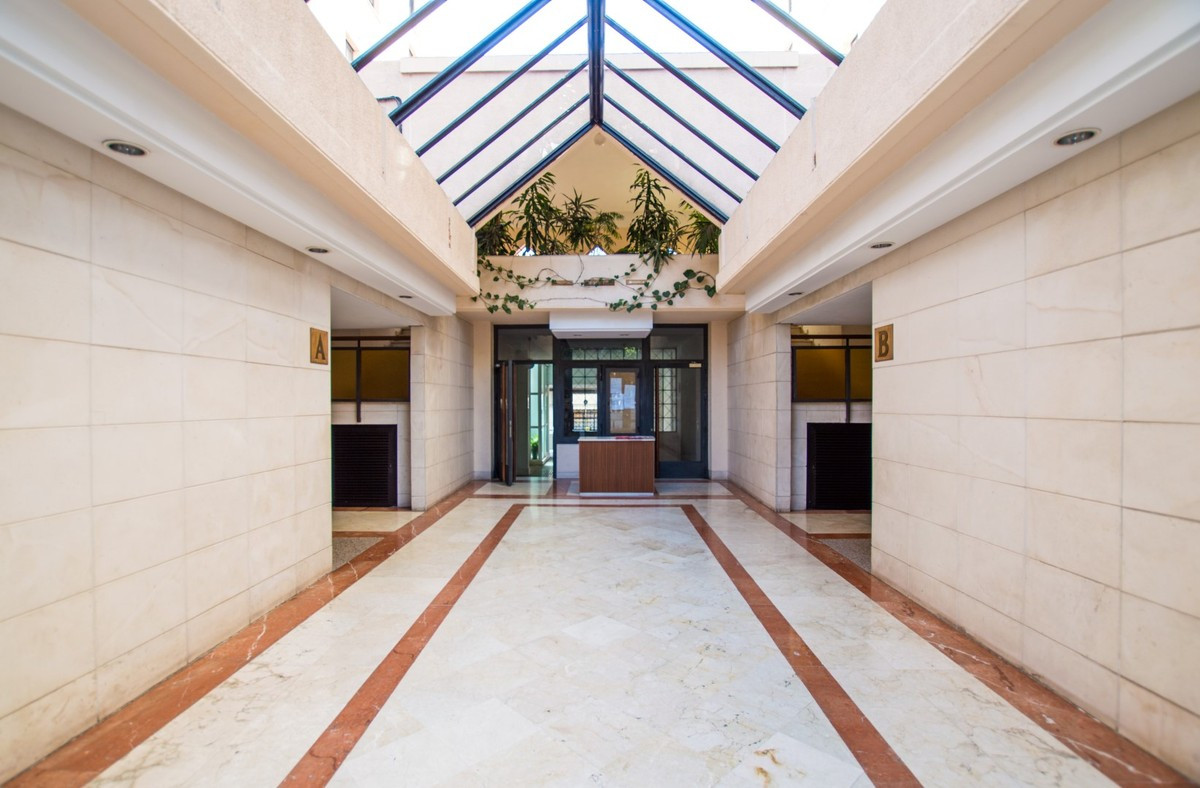 R3256735: Commercial for sale in Marbella