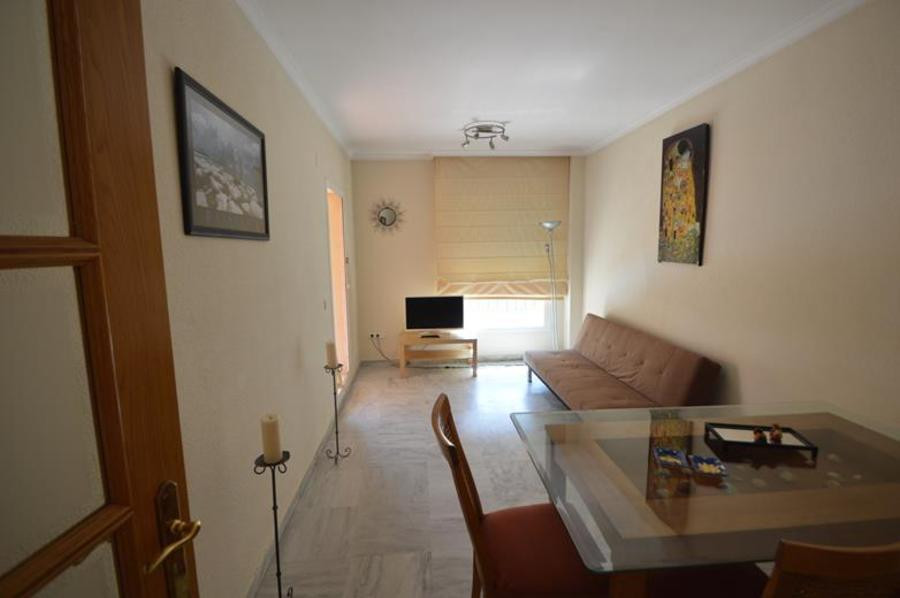 Apartment · Middle Floor