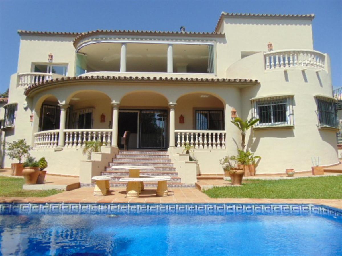 Marbella Banus Villa en Venta en Marbesa – R3463750
