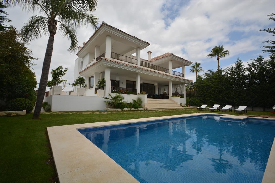Villa – Chalet en Venta en Cortijo Blanco – R2968970