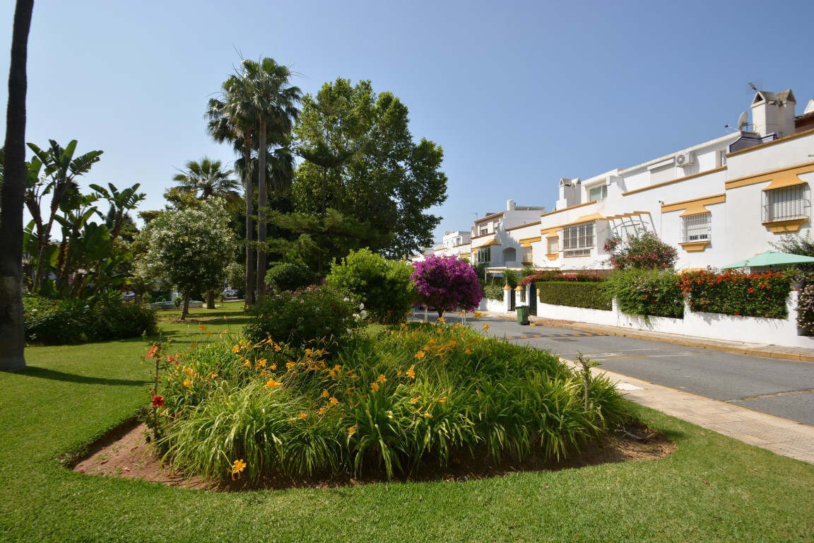 Unifamiliar Adosada en The Golden Mile, Costa del Sol