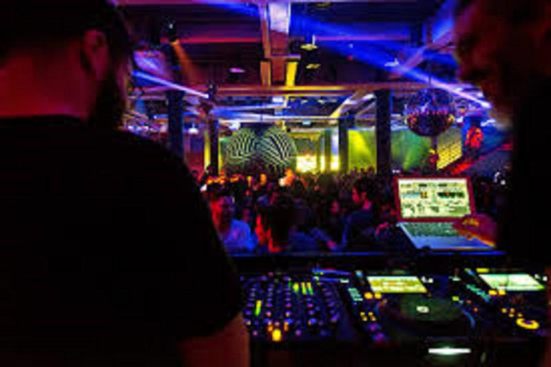 Club Nocturno en venta en Marbella – R3378904