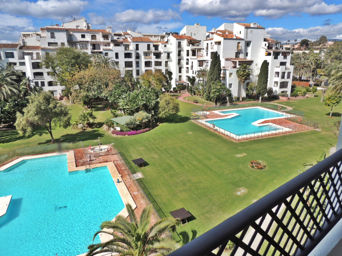 Apartment  Middle Floor for sale   in Puerto Banús