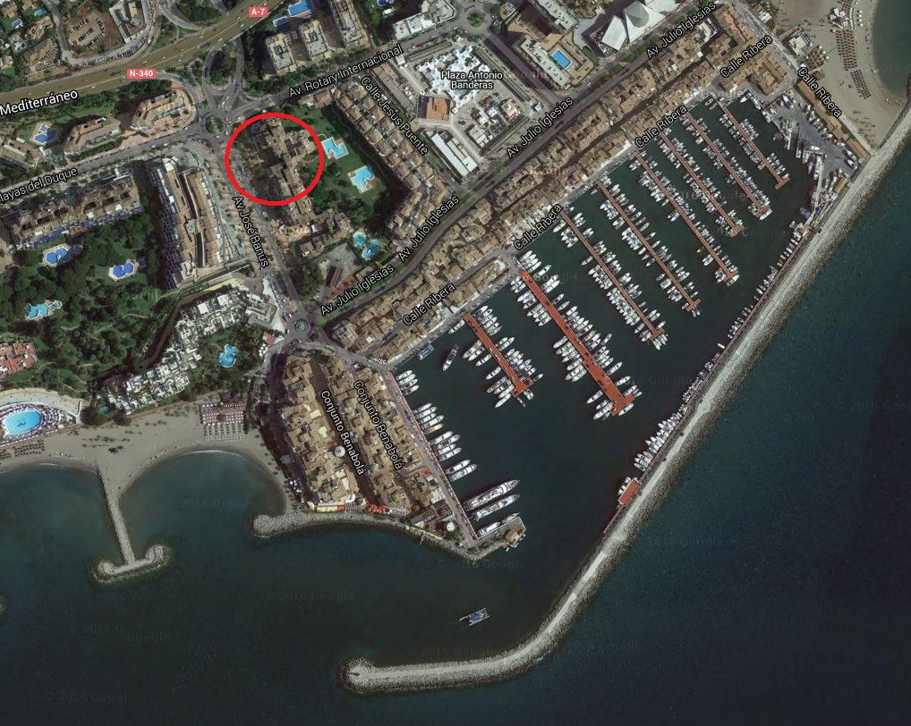 This is a unique opportunity to acquire a restaurant on Avenida Jose Banus in Puerto Banus with this, Spain