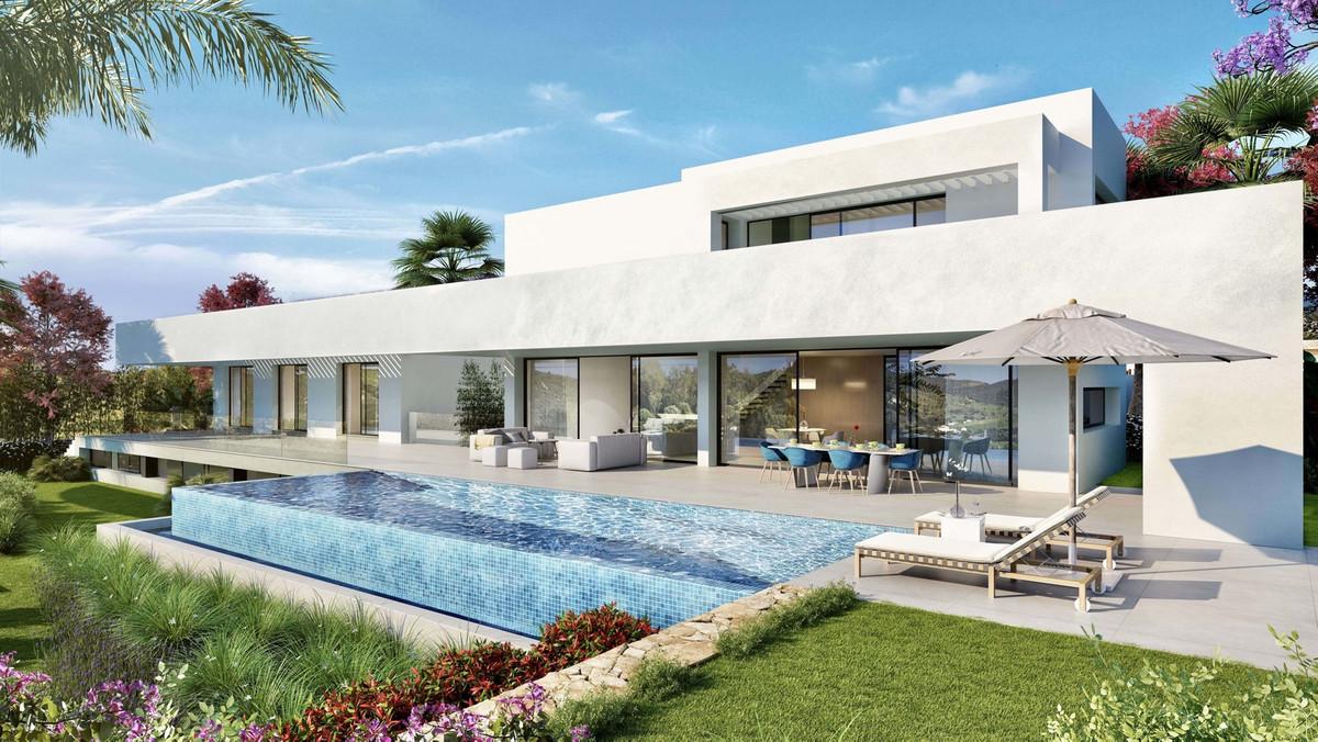 Fantastic modern style villa for sale located in one of the most privileged and peaceful areas of Ma,Spain