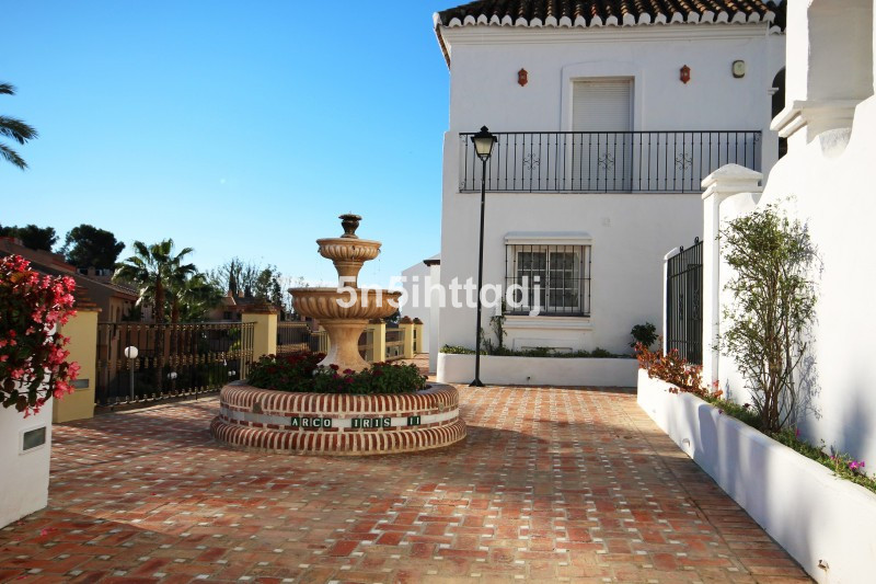 Townhouse for sale, well located in a closed and secure complex on the Golden Mile in Marbella.   Th,Spain