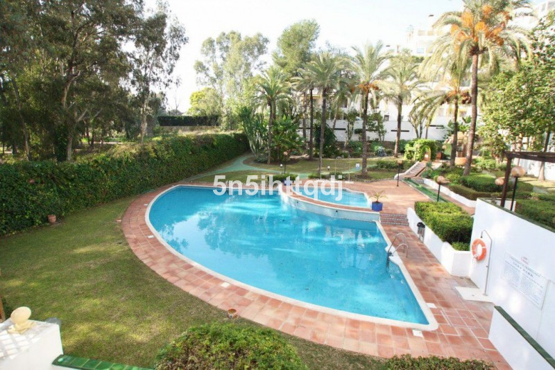 Charming 2-bedroom apartment located in the residential complex of Golf Park in Estepona. The proper, Spain