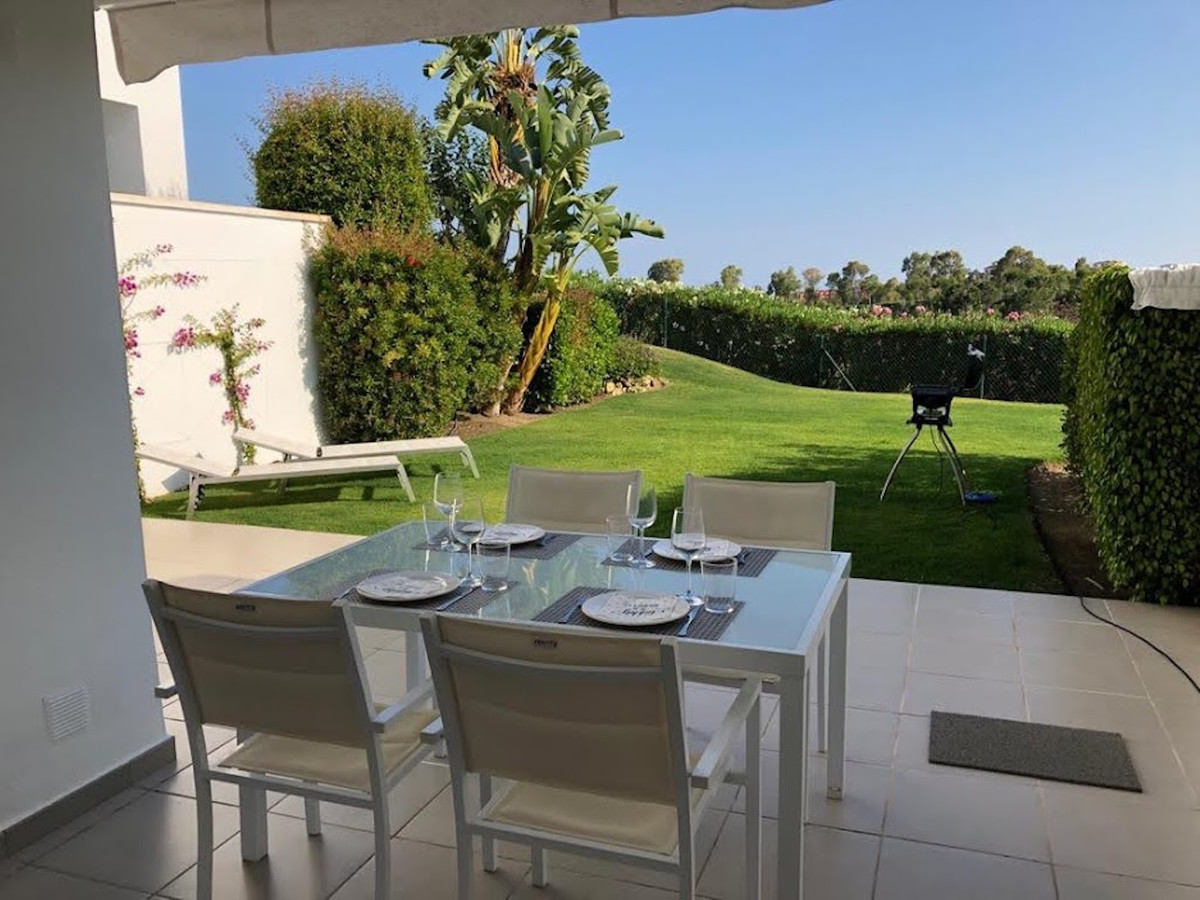 Los Robles, Benahavis: A truly delightful south facing three bedroom two bathroom apartment in this ,Spain