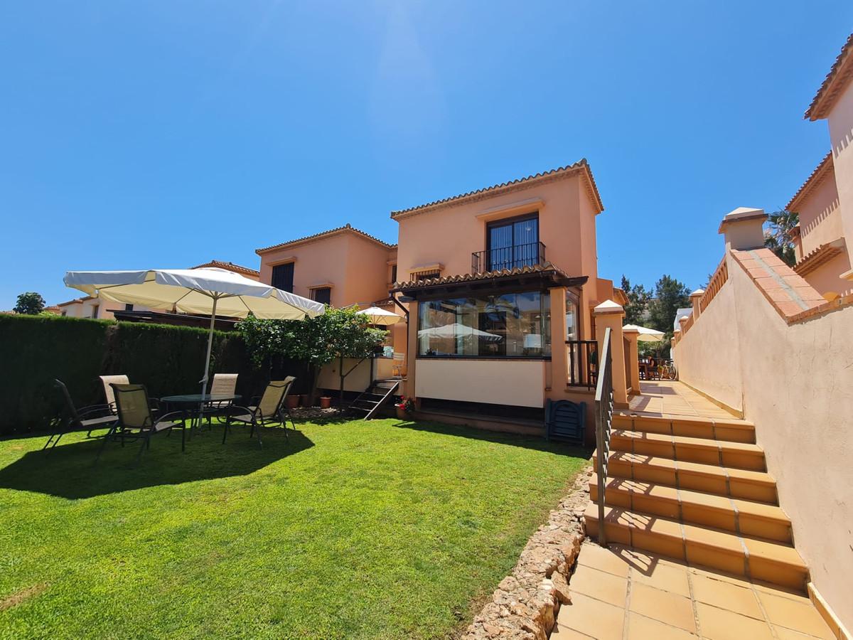 Semi-Detached House, La Cala de Mijas, Costa del Sol. 6 Bedrooms, 3 Bathrooms, Built 312 m², Terrace,Spain