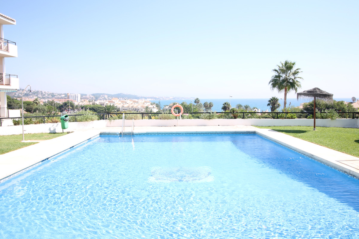 Fully renovated ground floor one bedroom apartment located only 200 meters from the beach.   This ch, Spain