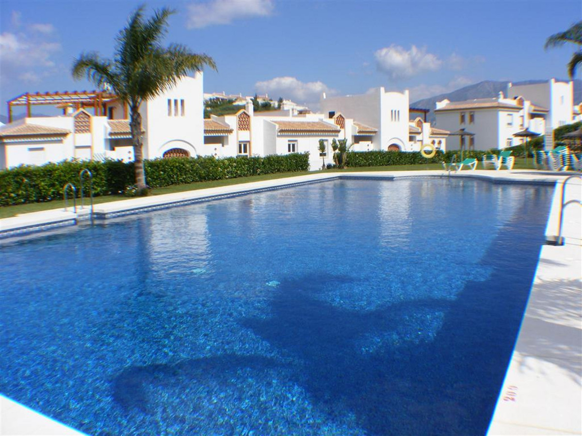 Spacious 3 bedroom 2 bathroom south west facing apartment located just a short walk from the golf co, Spain