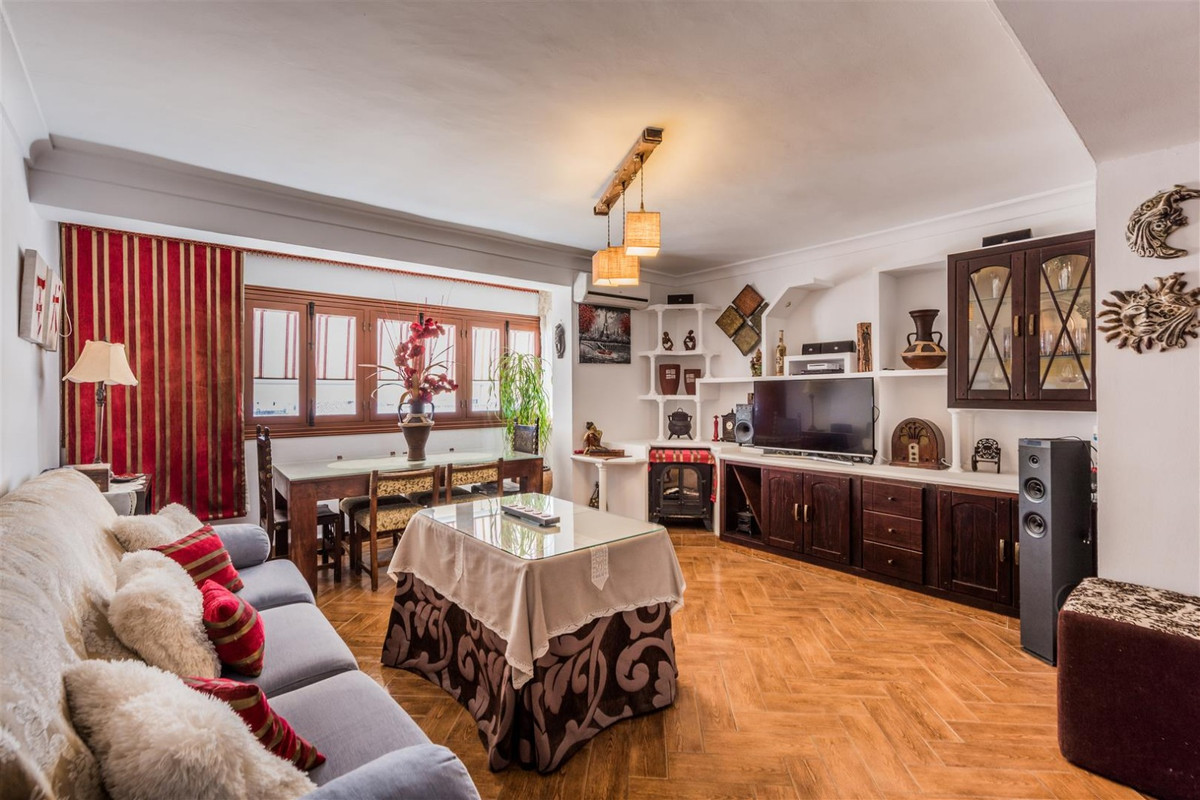 FANTASTIC LUXURY APARTMENT  4th floor with no lift however the flat is in the city centre and has th,Spain