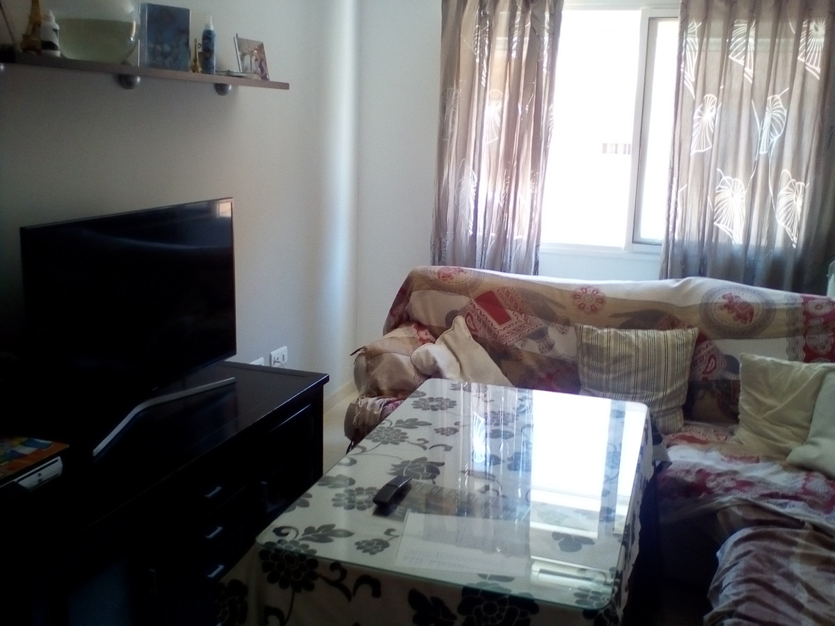 Middle Floor Apartment in Coín