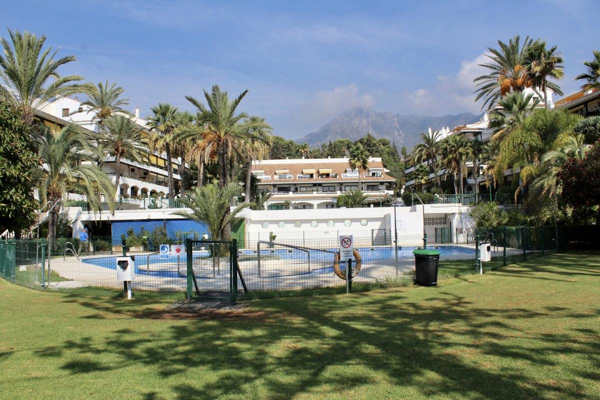 Marbella Banus Apartamento en Venta en The Golden Mile – R3938041