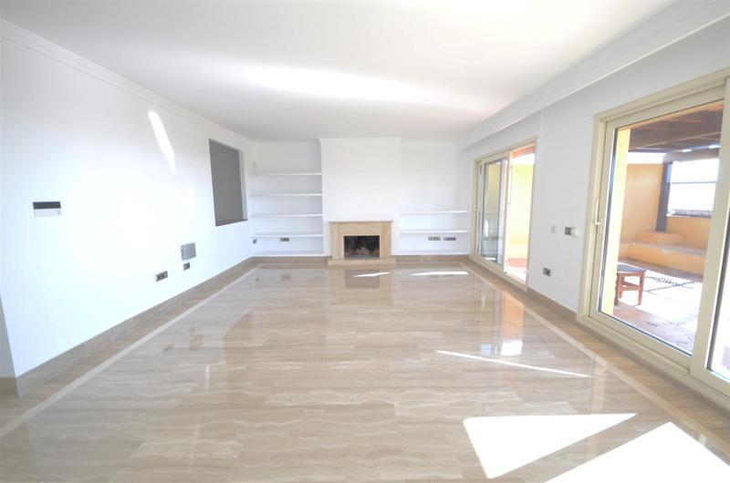 Apartamento con 3 Dormitorios en Venta Sierra Blanca