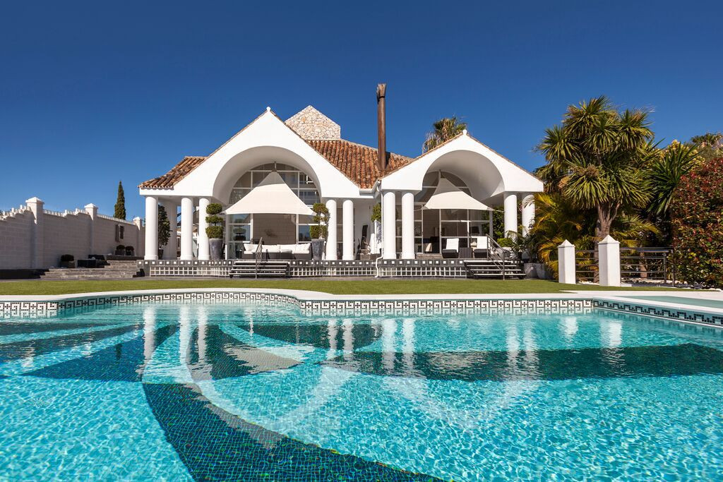 Stunning contemporary five bedroom luxury villa situated in an unbeatable front line golf position, ,Spain