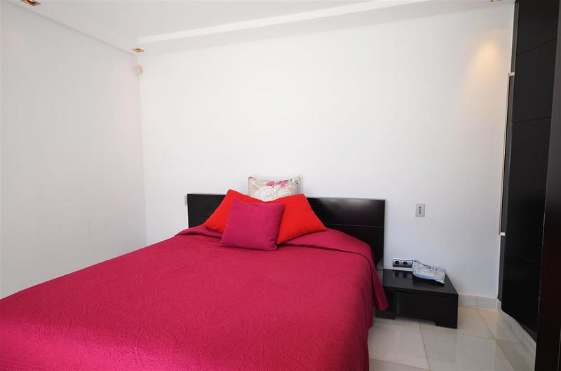 Villa – Chalet, Nueva Andalucía – R1999578