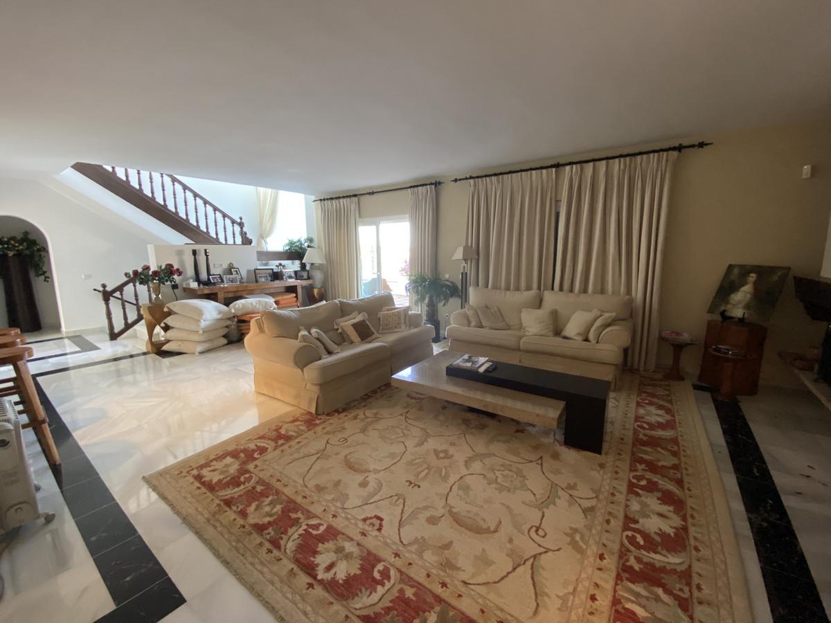House en Aloha R3830077 29