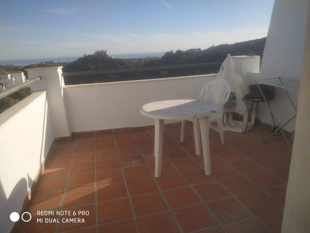 1 bedroom apartment located in a well established area of El Padron, nestled in the mountain, south ,Spain