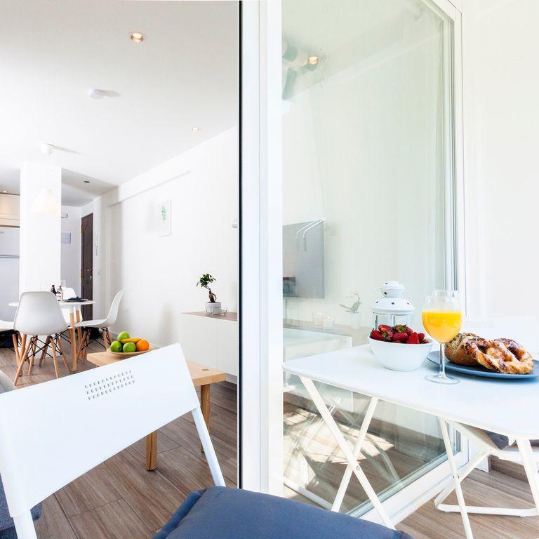 Apartamento, Planta Media  en venta   y en alquiler    en Marbella