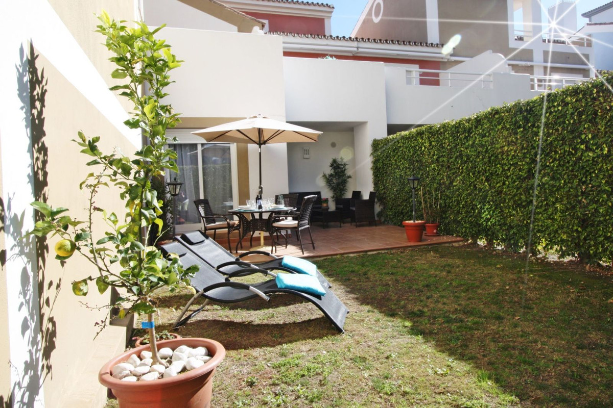 2 bedroom ground floor apartment with private garden, located in a luxury resort with fantastic amen, Spain