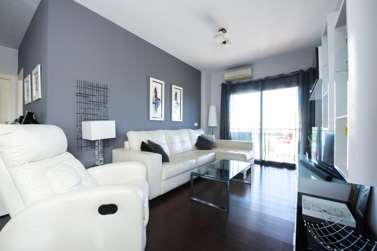 Middle Floor Apartment, Riviera del Sol, Costa del Sol. Great Location/stunning golf and mountain vi,Spain