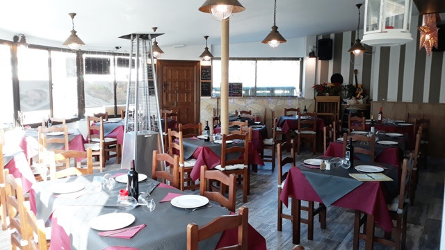 Exclusive! A very well known, 300m² restaurant plus 3 bedroom accommodation for sale on the Costa de, Spain