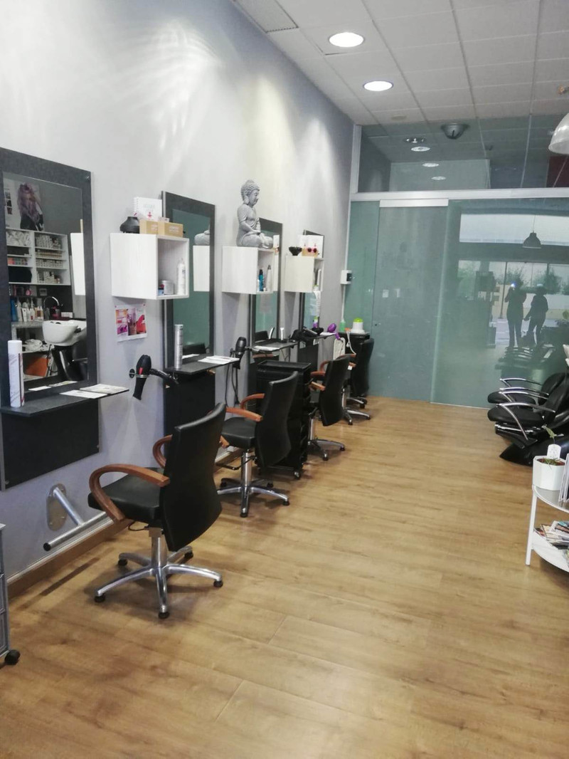 Hairdressers in Fuengirola for sale