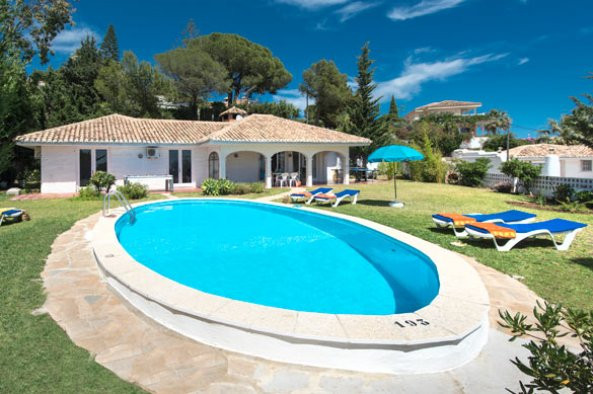 A unique opportunity to acquire a beautiful villa, situated in one of the well known urbanizations i, Spain