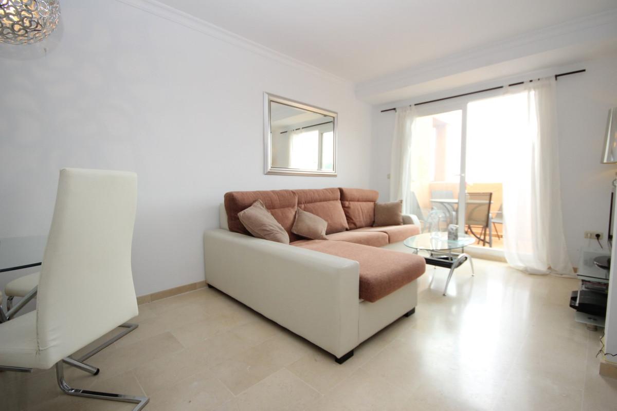 Apartamento en Venta en Elviria – R3839596