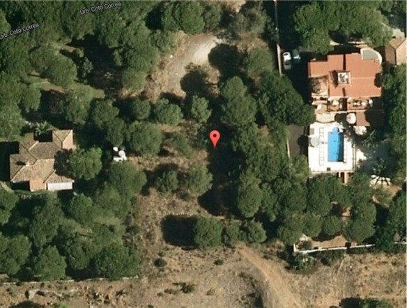 Great large building plot in Marbesa suitable for two individual houses 350m2 each. A great opportun,Spain