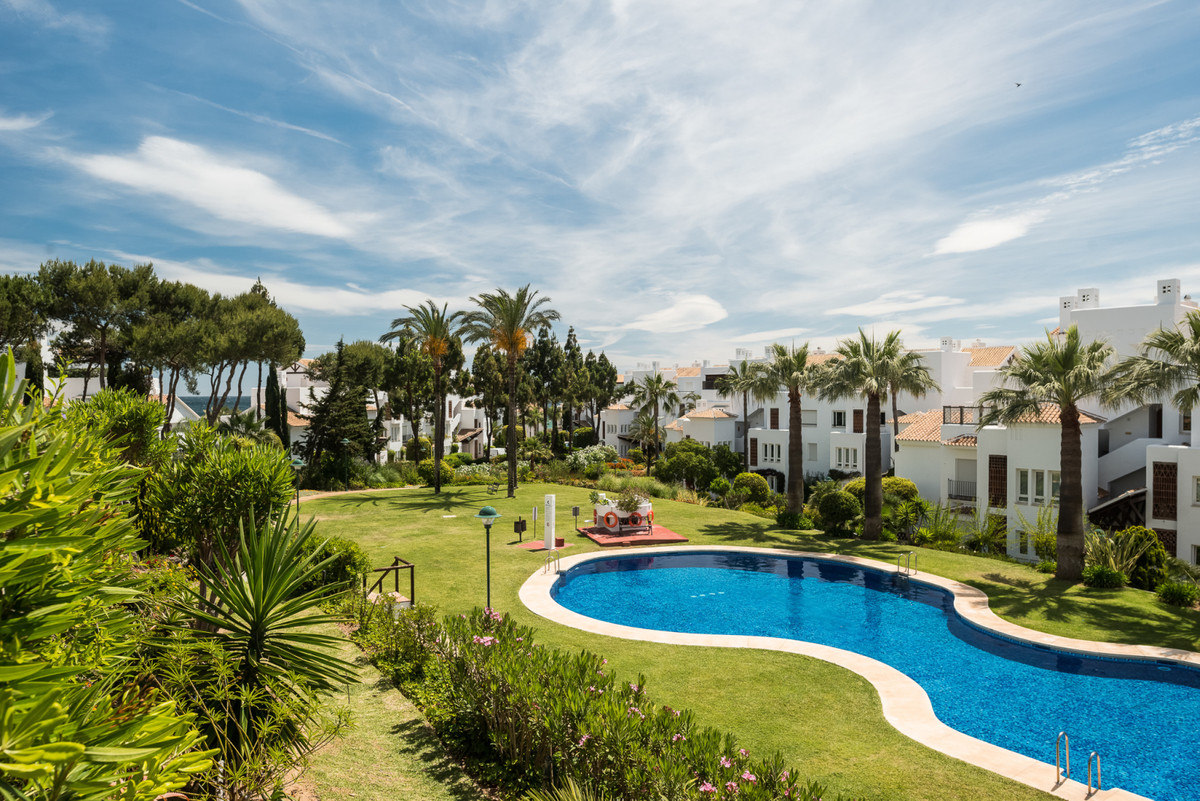 Ground Floor Apartment for sale in Los Monteros - Marbella East Ground Floor Apartment - TMRO-R3417031