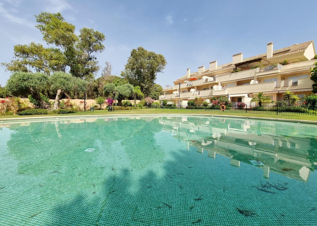 Marbella Banus Ático en Venta en Elviria – R2046782