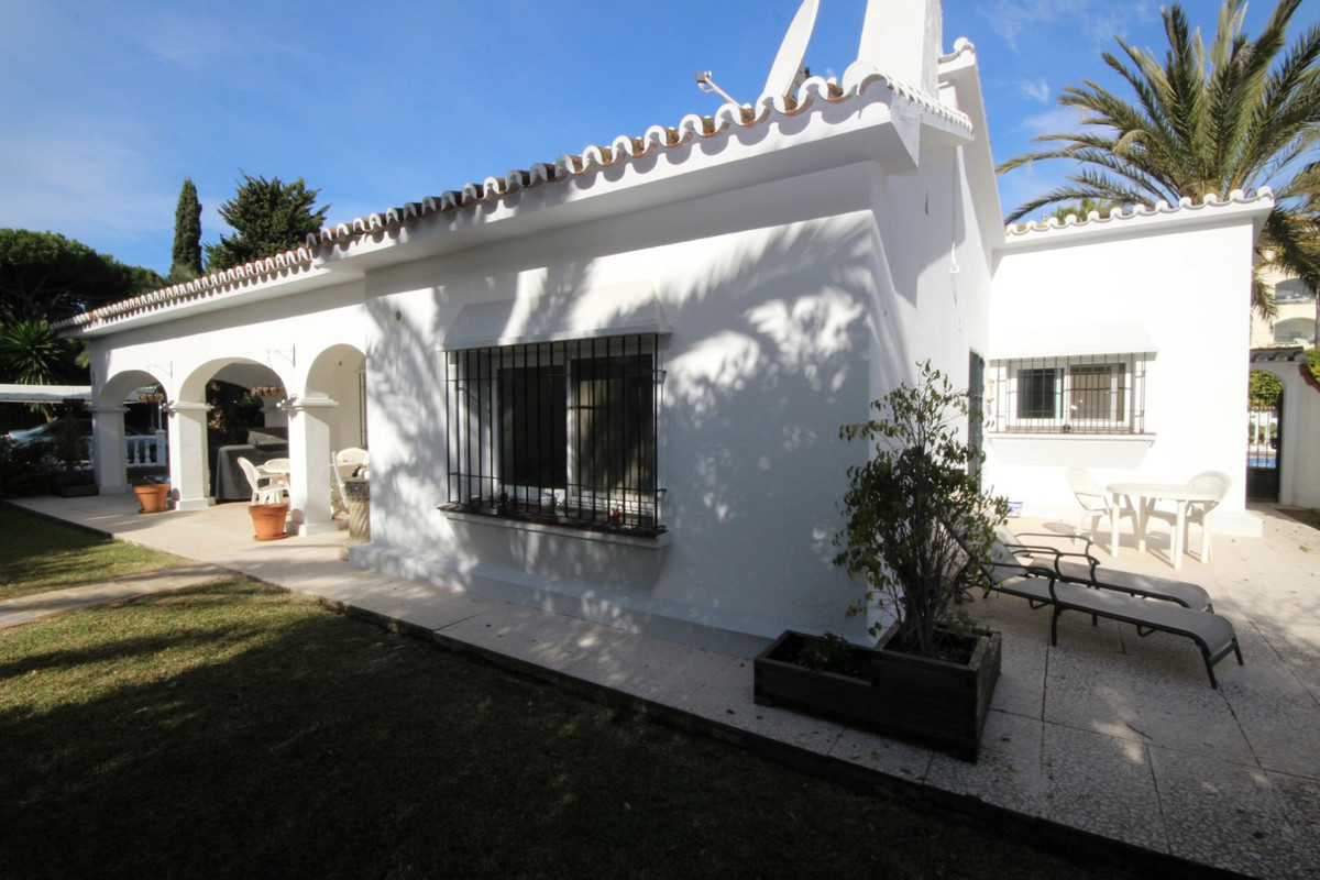 Hus in Elviria R113411 11