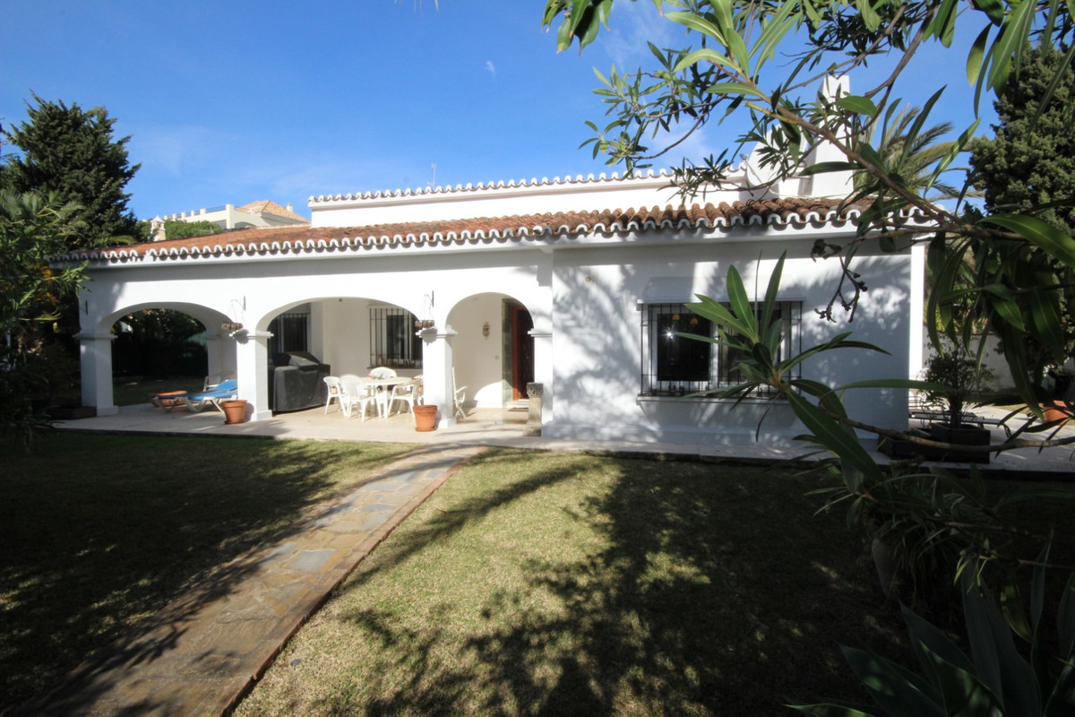 Hus in Elviria R113411 16