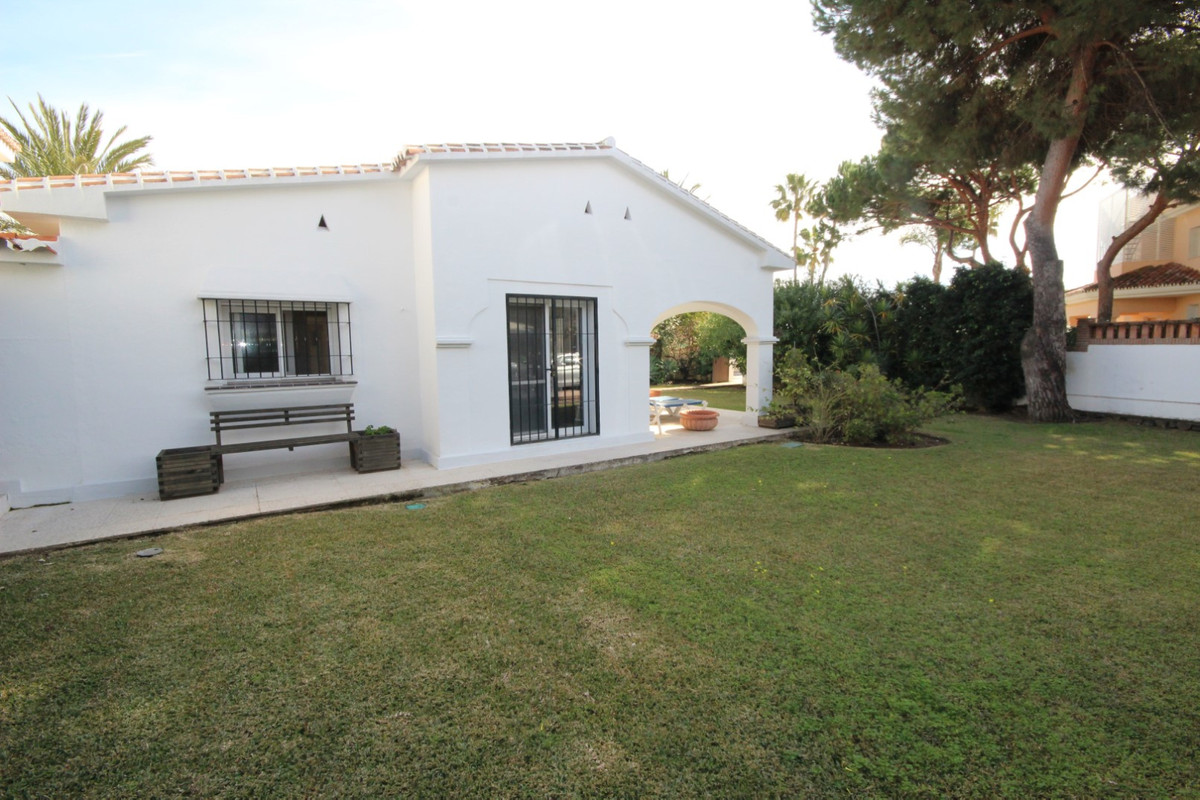 Hus in Elviria R113411 4