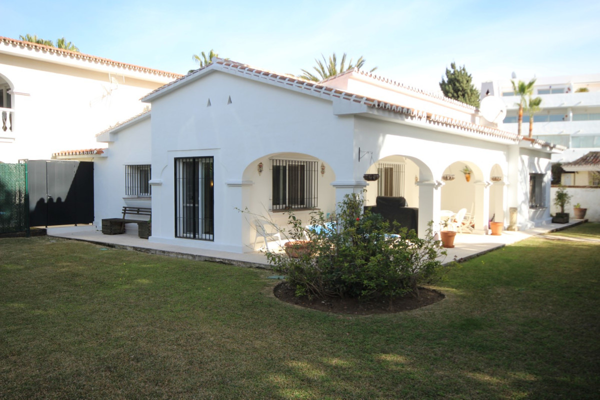 Hus in Elviria R113411 7