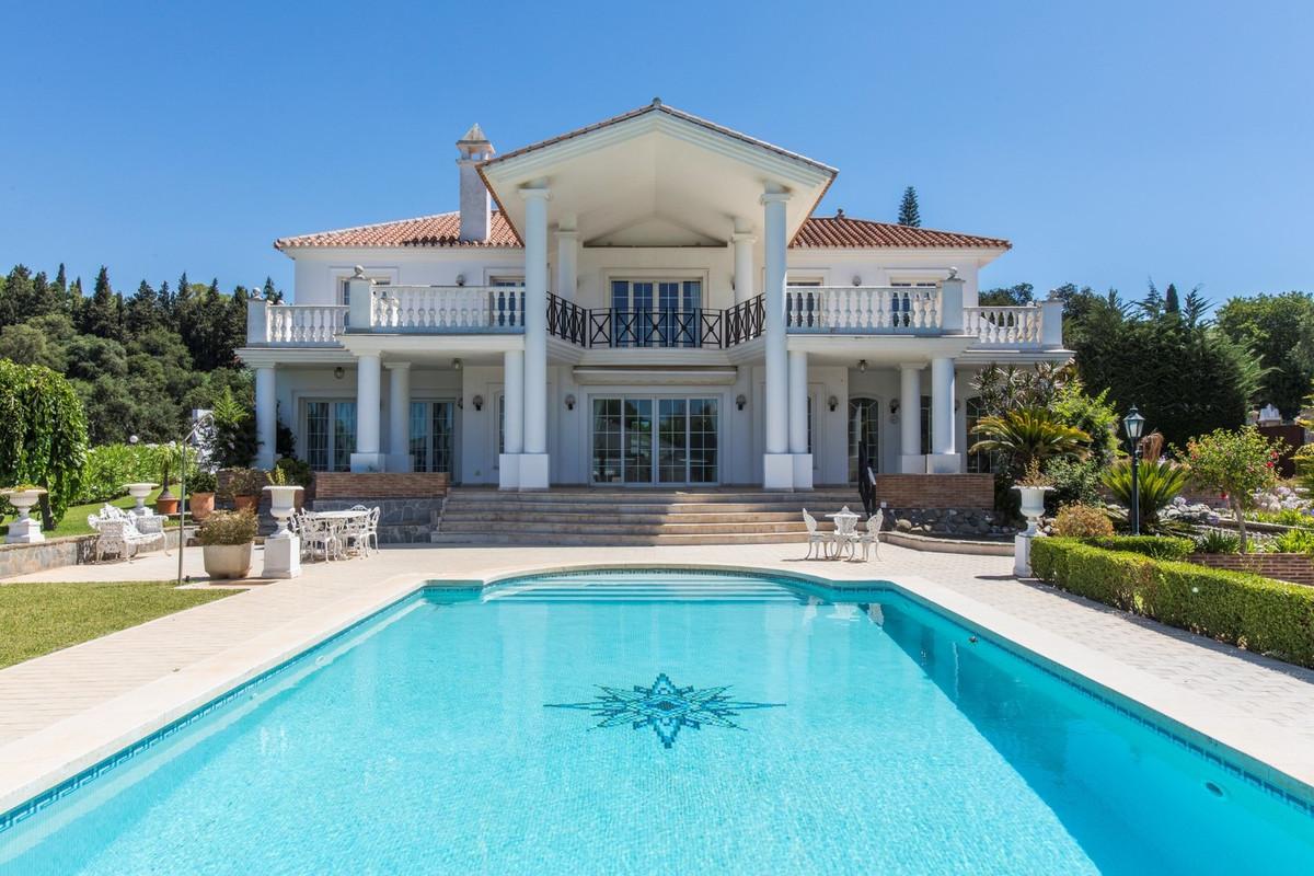 Villa for sale in Hacienda las Chapas - Marbella East Villa - TMRO-R491522